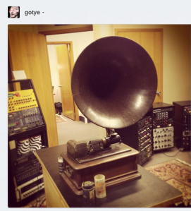 Ipods be damned! C. Gotye/Instagram